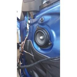 Montage paire de haut-parleurs avant sur véhicule pré-câblé